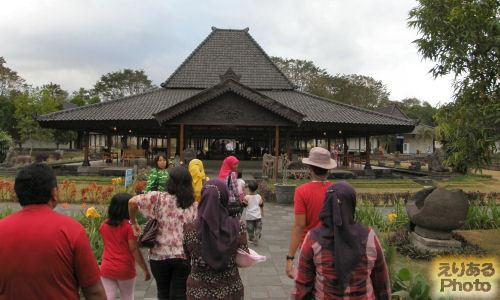 プランバナン寺院史跡公園~考古学博物館