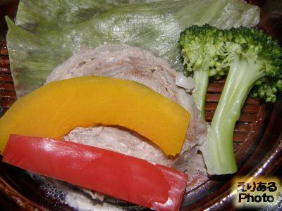 古湧 園の夕食 お部屋食 鮑・伊勢海老・鯛釜飯会席 お肉と野菜の蒸し物